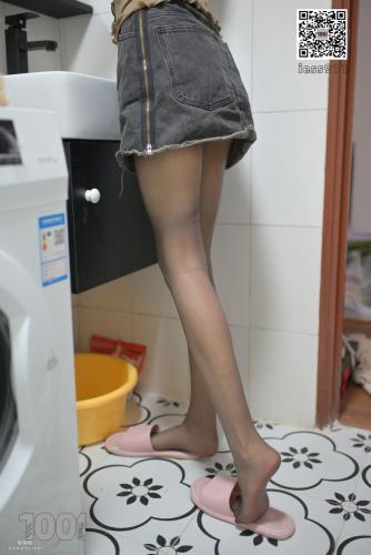 [IESS一千零一夜] 《网络女主播的私生活2》 黑丝美脚写真集