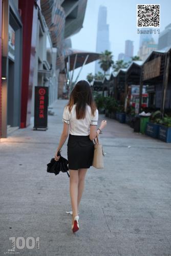 [IESS一千零一夜] 《等公交1》 街拍丝袜写真集