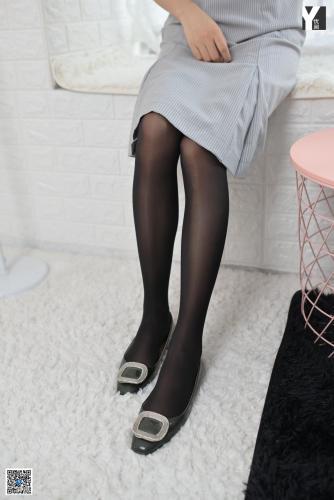 [IESS异思趣向] 模特:小小《梦中的女人》 黑丝美脚写真集
