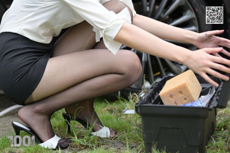 [IESS一千零一夜] 模特腿腿《自助洗车2》黑丝美腿写真集