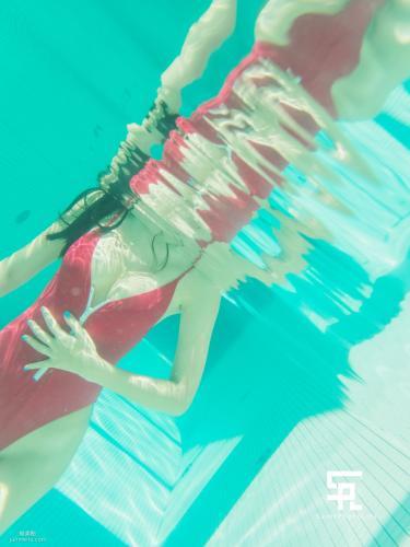 [saintphotolife] 韩国美女Zennyr 《Snow Hotel》 写真集