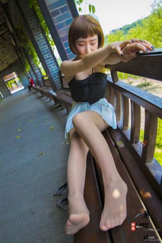 [丽丝映像GIRLISS] 丸子莎妹《蓝格高跟系》 写真集