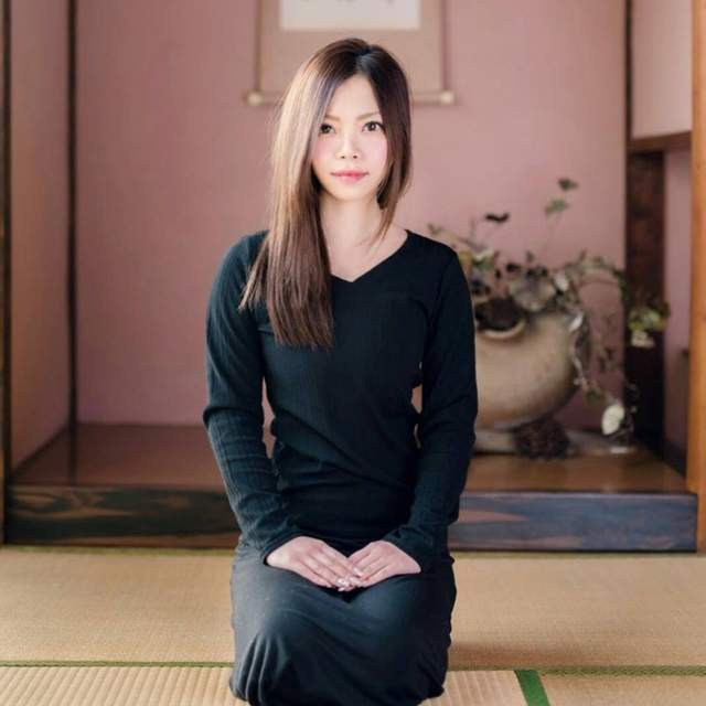 日本美女书法家真澪 写字的时候真是很舒心