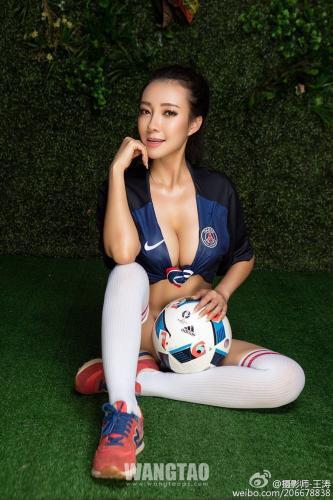 果儿Victoria&尤美Yumi- 欧洲杯艺术写真