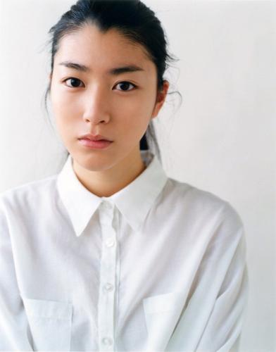 成海璃子- 清纯派兼实力派的女优
