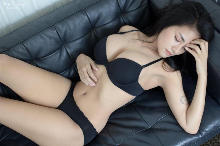 泰国嫩模Neko Thanchanok家居内衣诱惑写真