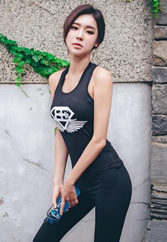 韩国模特朴多贤 Lologirl运动服饰系列一