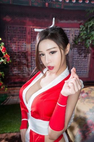 台湾正妹Lena莉娜 手拿离子好可爱