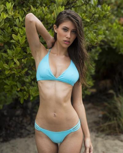 Nikki Murciano- 「妙龄少女」暗藏绝美胸器