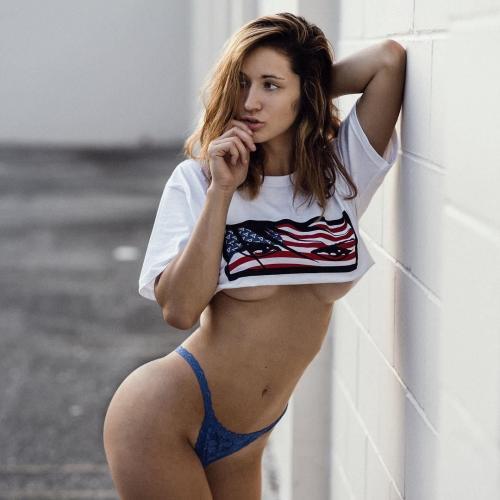 Natalie Roush- 意大利模特美臀秀