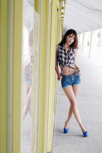 [台湾嫩模] Miso夏晴《牛仔街拍》 写真集