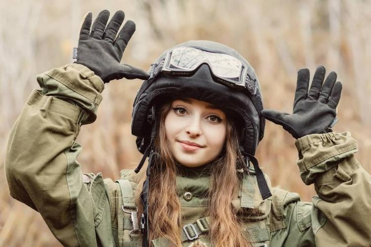 Elena Deligioz- 最清纯的俄罗斯女兵
