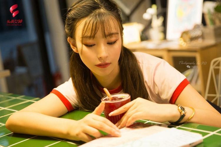 [TouTiao头条女神] 2019.09.07 奶茶店的小公主 菲娅