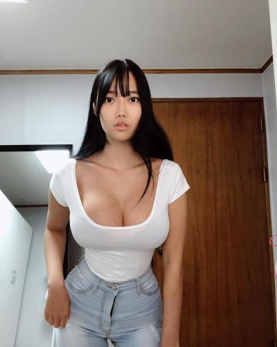 南韩网红「썬비키」葫芦型身材惊翻网友