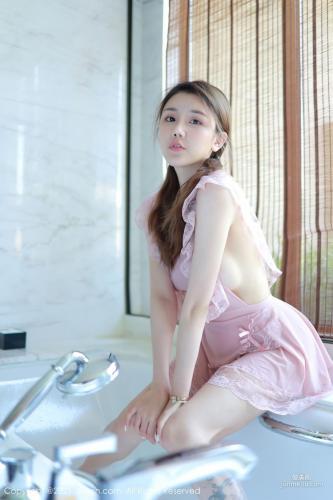 双马尾女孩夏西CiCi 粉色女仆浴室湿身