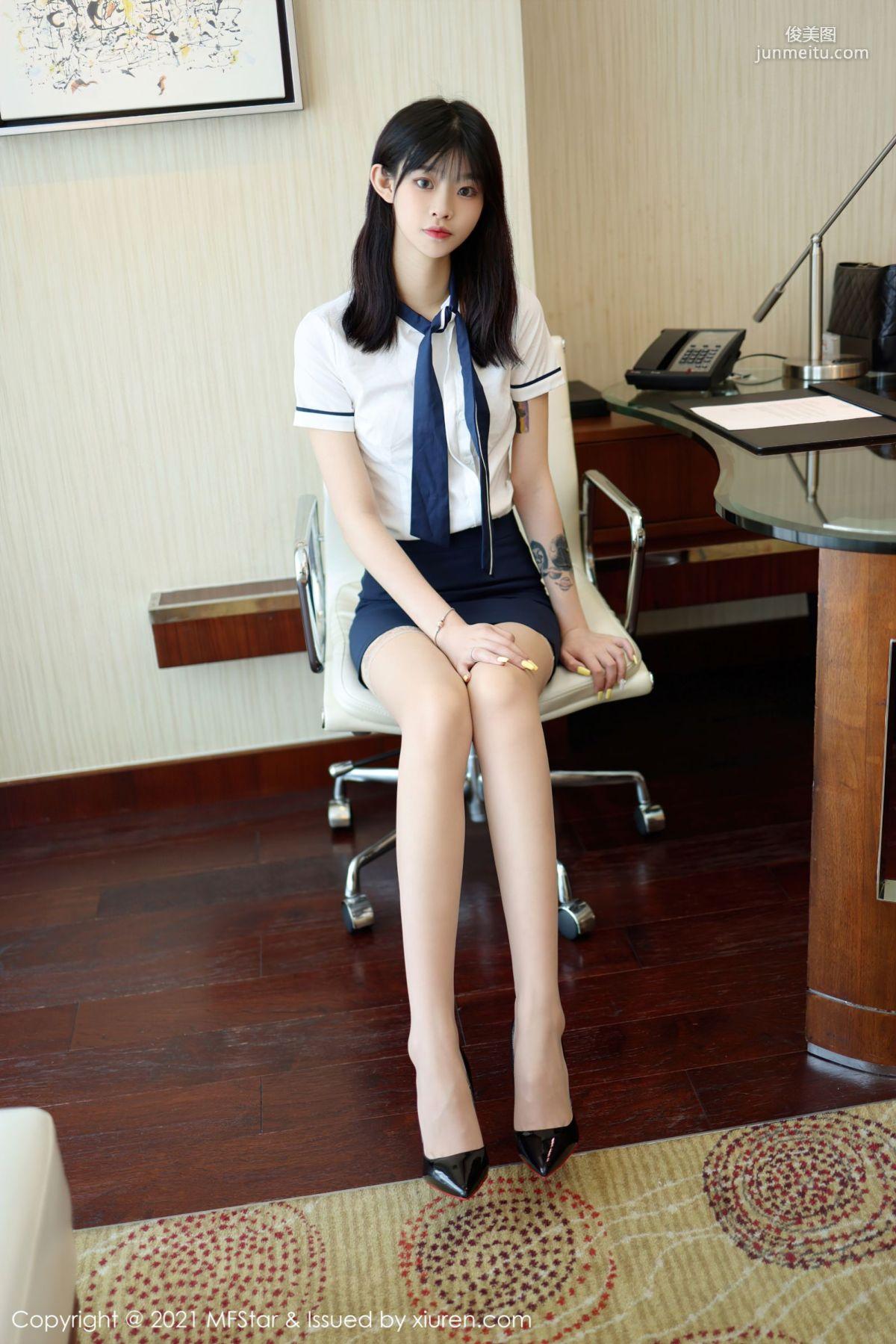 新人模特77qiqi 校园风格学生装