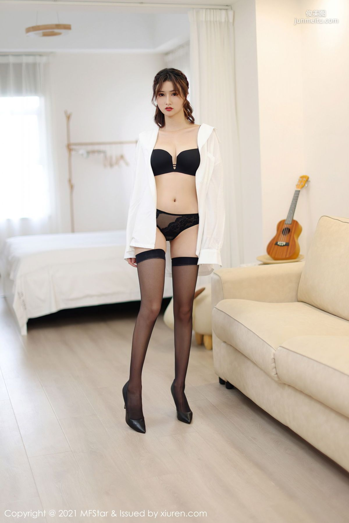 新人模特墨韩 白衬衫黑丝袜