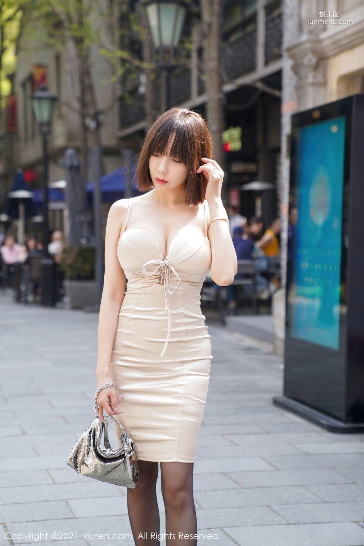 御姐果儿Victoria 深V吊裙蕾丝吊袜_0