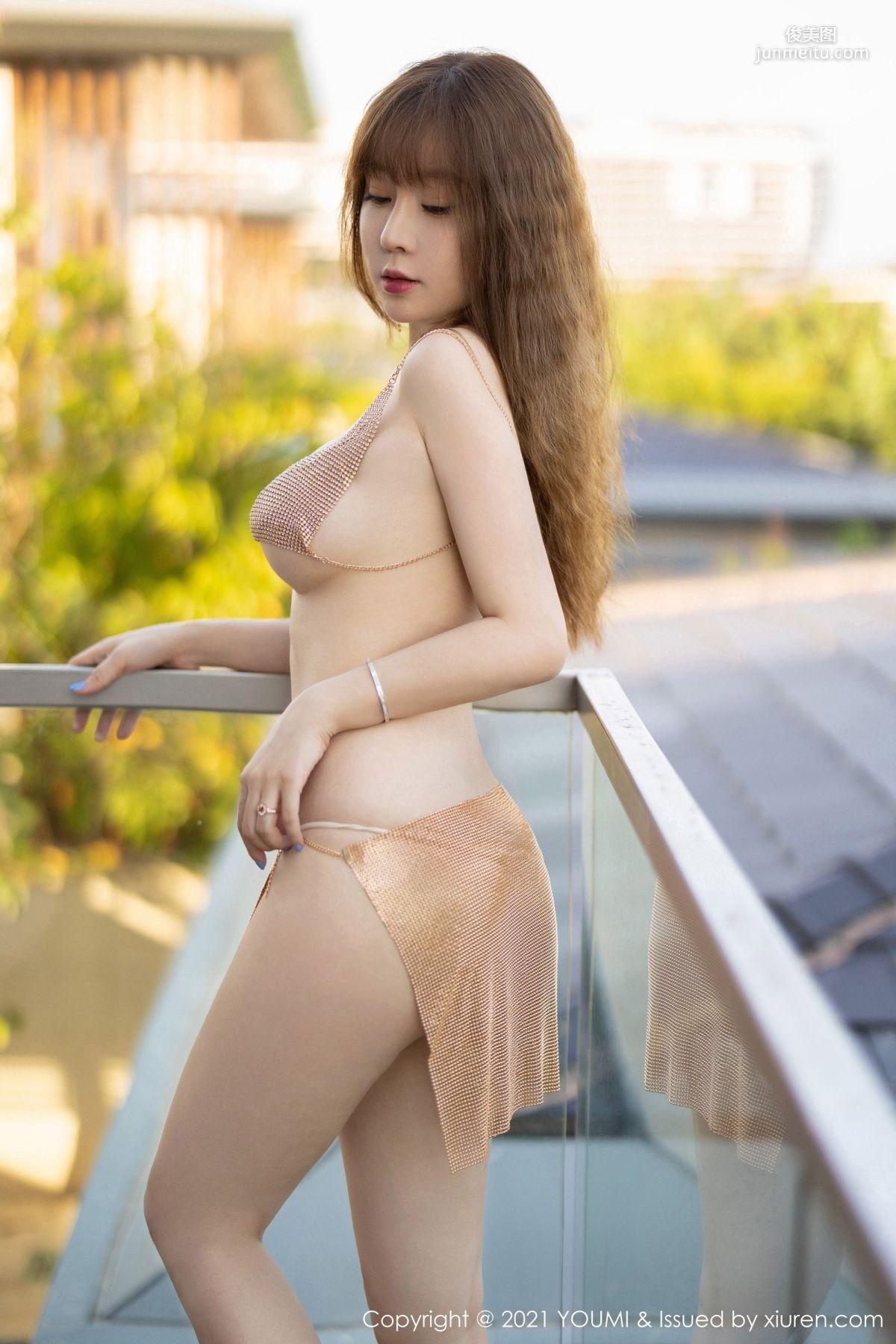 王雨纯的三亚旅拍 精致的镂空内衣